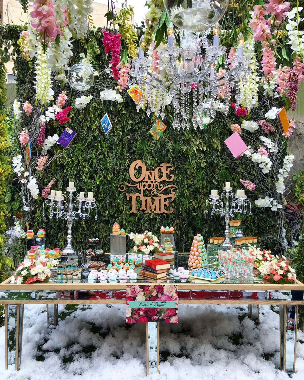 Dessert table and decor (2)