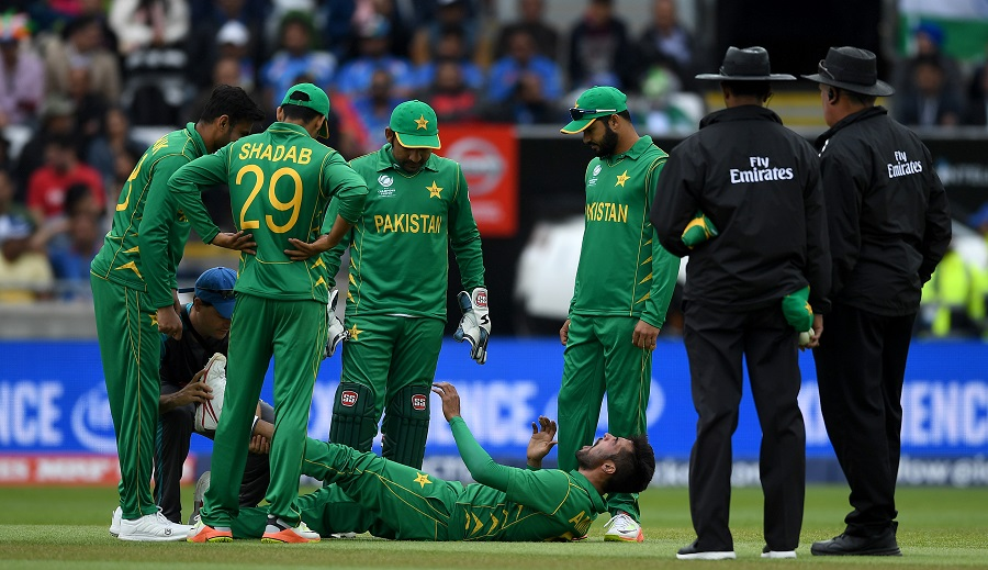 Amir cramps up while bowling - CricInfo.