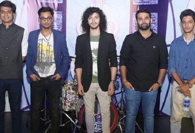 Kashmir-Band