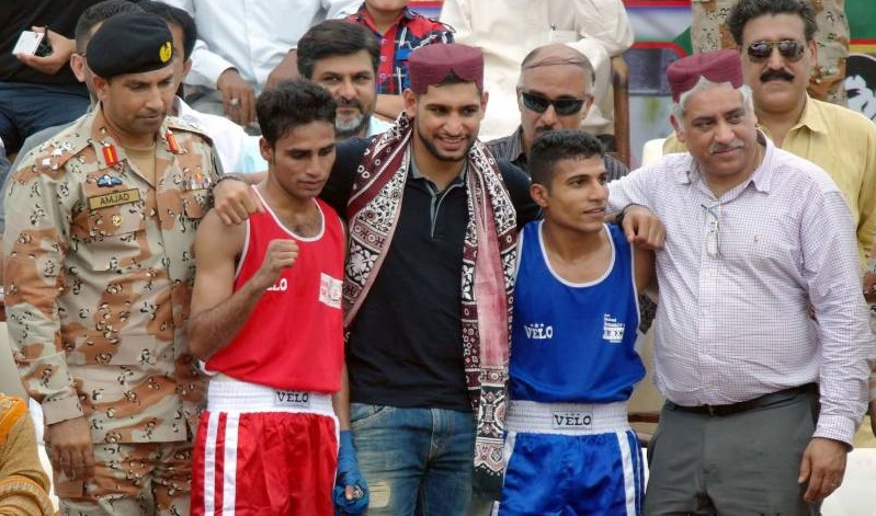 amir-khan-vows-to-help-pakistan-produce-boxing-champions-1440627195-4396